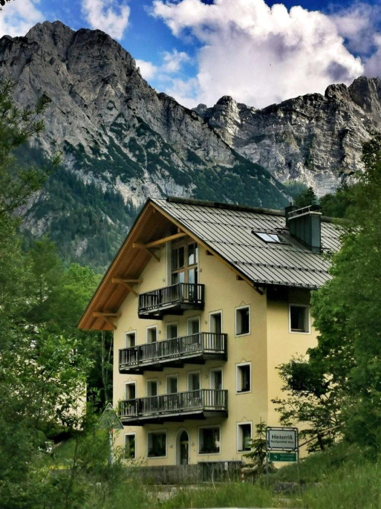 Sylvensteinsee Ferienwohnung? Das sind die schön gelegenen Ferienwohnungen mitten in den Bergen, in der Umgebung des Sylvenstein