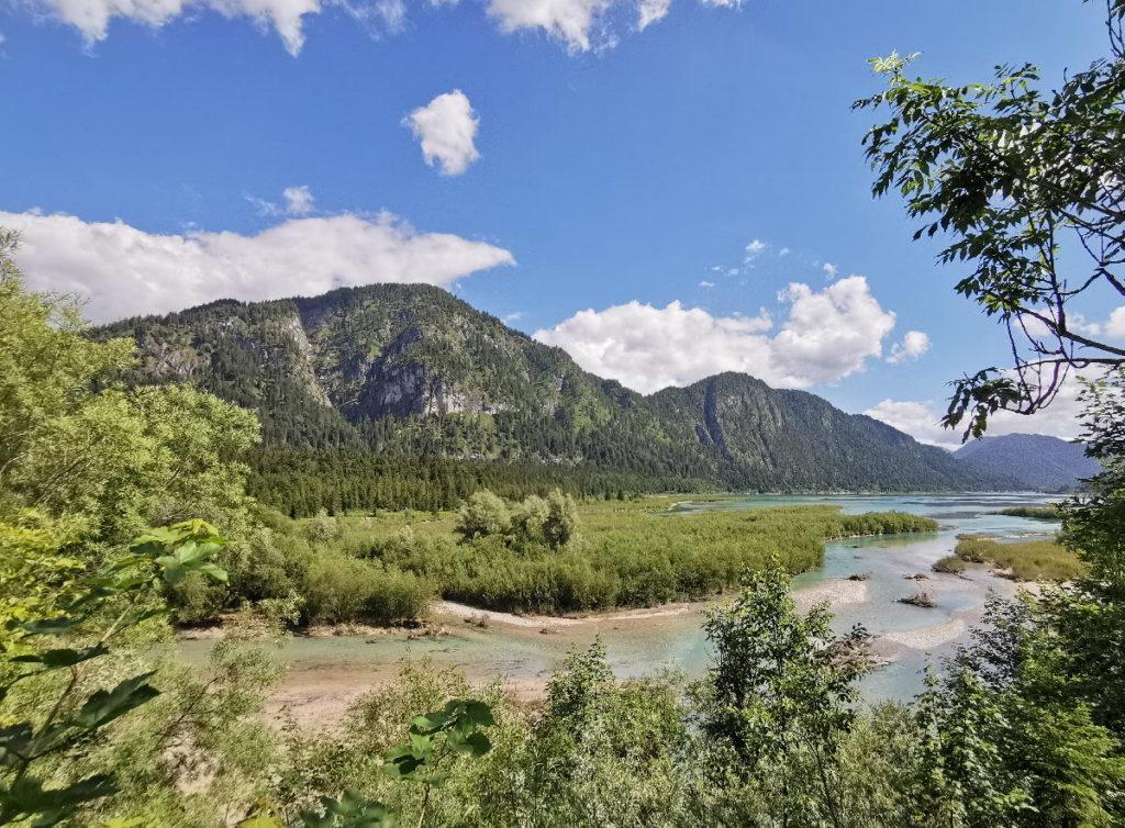 Entdecke die schöne Landschaft am Sylvensteinsee