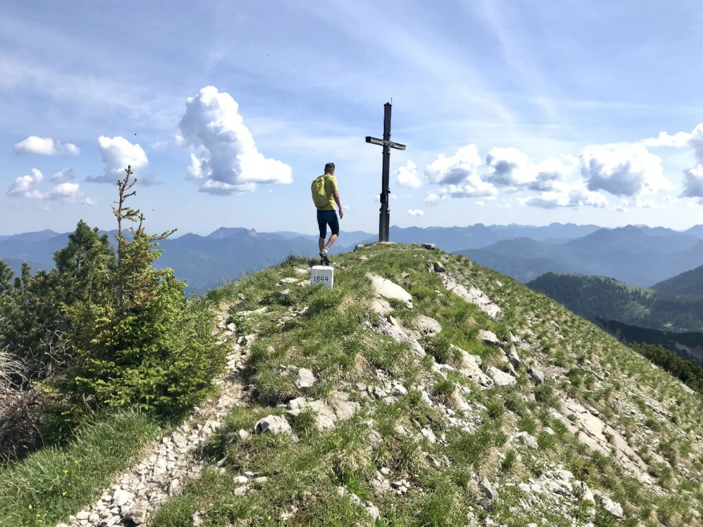 Sylvensteinsee wandern - See auf die Gipfel im Karwendel
