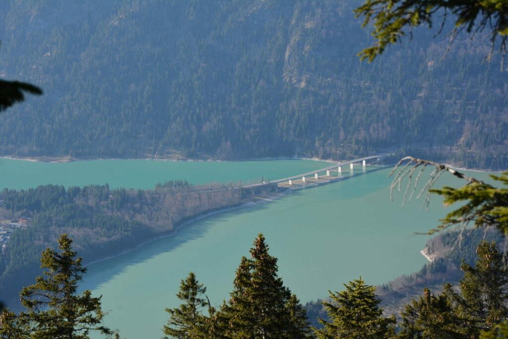 Faller Klamm Brücke von oben - beim wandern im Karwendel