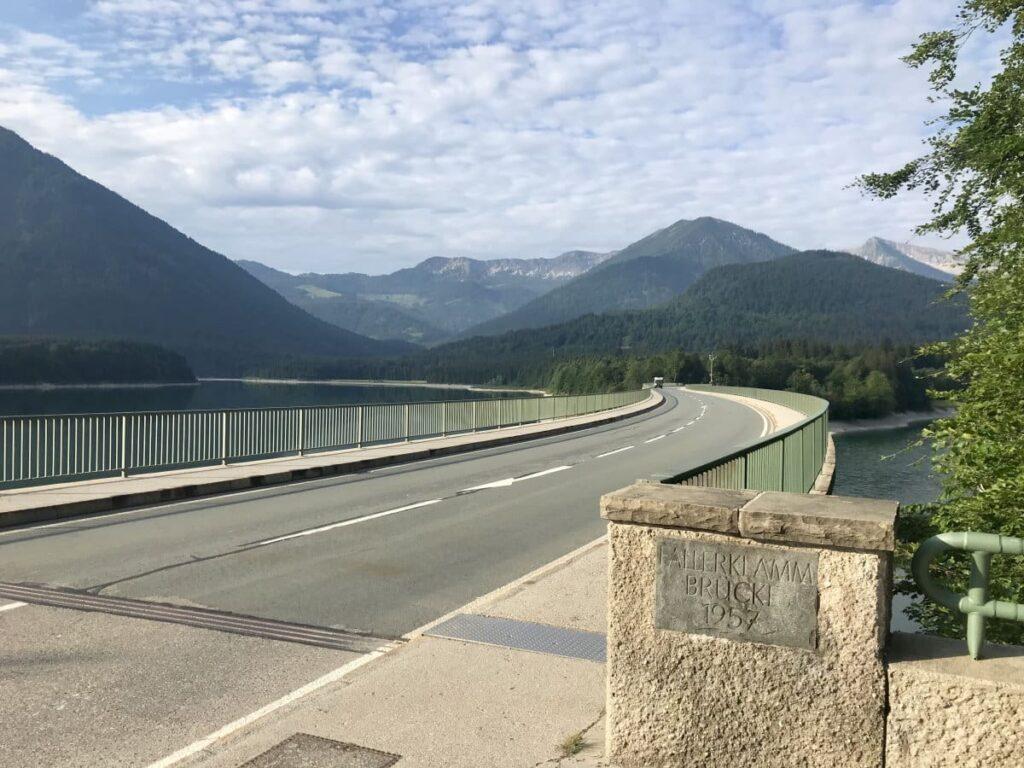 Die Faller Klamm Brücke ist die Verbindung nach Vorderriss